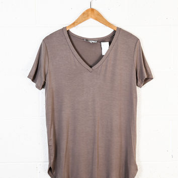 Timeless Tee V-Neck, Dark Cocoa