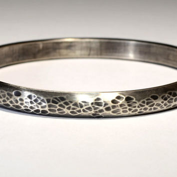 Rustic Half Round Sterling Silver Bangle with Hammered Finish and Brushed Patina on Massive Silver – Solid 925 BNGL3102
