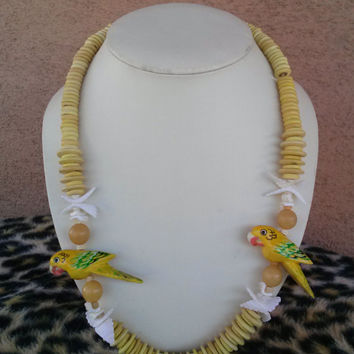 Vintage 1980s Wood Necklace Parrots Sea Shells Street Style 23.5 Inches
