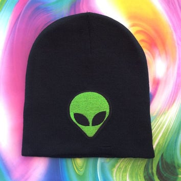 Alien Beanie / Alien Hat / Green Alien Beanie / Alien Accessories / Kawaii Beanie / Grunge Beanie / 90s Beanie / 90s Accessories