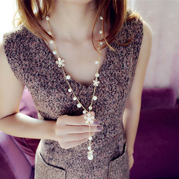 Long Flower with Simulated Pearls Korean Necklace