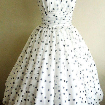 Perfectly simple and adorable 50s style Polka dot Chiffon dress