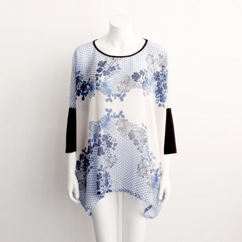 Box T - Blue Floral Border print Silk chiffon, bamboo sleeves - One Size
