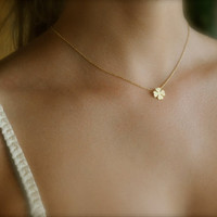 Four Leaf Clover Necklace Gold by maldemer on Etsy