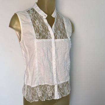 White Sleeveless Blouse Lace Details Cotton Express Button Down Collar Shirt Lace Trim Pleated Front Panels Boho Bohemian Breezy Spring Top