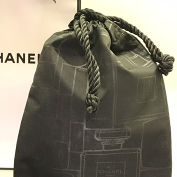 BNIB CHANEL No.5 PERFUME POUCH DRAW STRING MAKEUP BAG, no perfume just bag