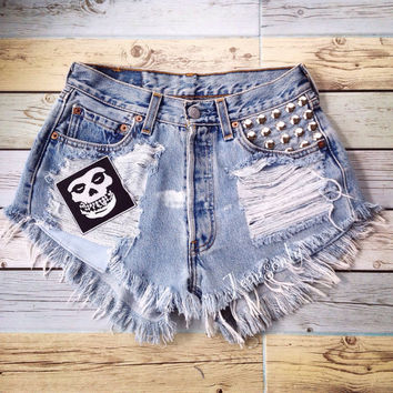 90s Grunge pop punk rock clothing misfits patches Levi's High waisted shorts studded jeans