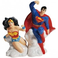 Superman and Wonder Woman Salt and Pepper Set
