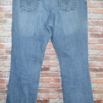 Womens Levi's 550 Sz 12 Long Relaxed Boot Cut Jeans