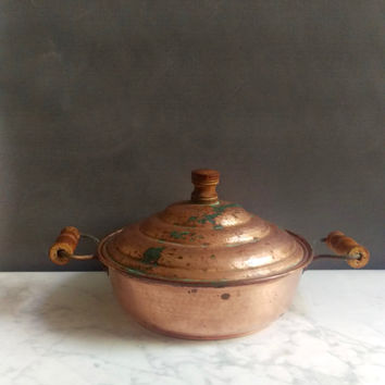 Copper Dish With Lid/ Copper and Wood Dish/ Rustic Copper Pan/ Copper Chafing Dish/ Primitive Copper/ Copper Pan/ Large Copper Dish