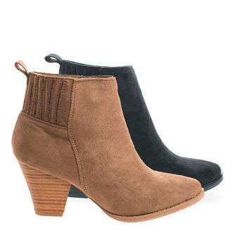 Lylee03 Almond Toe Slip On Block Stacked Heel Ankle Booties