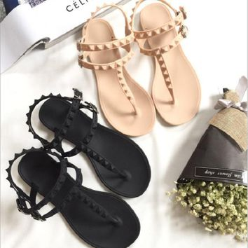 Leisure Flip Flops Sandals Flat With Rivet Solid Buckle Strap Plastic Jelly Shoes Sandals Women Beach Sandals Flip Flops Shoes