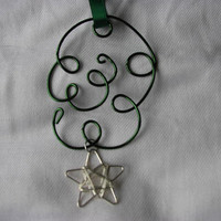 Ornament or suncatcher dark green, Kelly green
