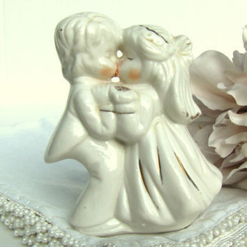 Vintage Kissing Bride & Groom Wedding Cake Topper Figurine