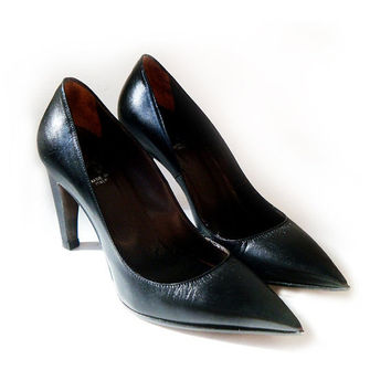 SALE Vintage Black Leather Pumps , Women's Shoes Black Leather Size 6 , Made in Italy