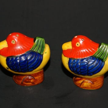 Vintage Ceramic Hand Painted Birds Of Paradise Salt And Pepper Shakers 1930s To 1940s