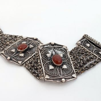 Vintage Egyptian Art Deco Link Bracelet Made of Silver and Carnelian