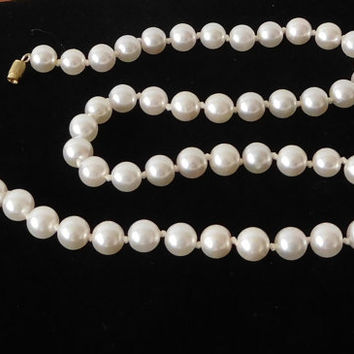 Pearl Necklace Knotted Faux Pearl Jewelry 18 Inches Vintage Costume Jewerly