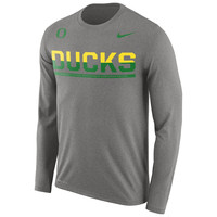 Men's Nike Gray Oregon Ducks 2016 Staff Sideline Legend Dri-FIT Long Sleeve T-Shirt