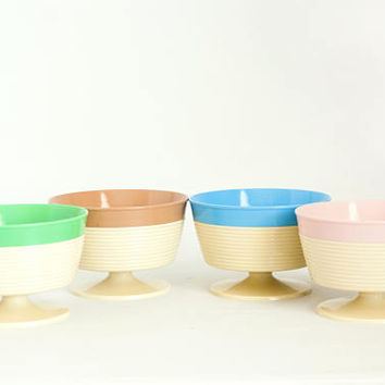 Vintage Raffiaware Ice Cream Cups, Thermo-temp Plastic Footed Dessert Sherbet Bowls