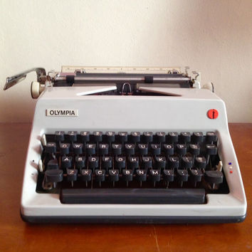 Working Olympia Manual White Typewriter