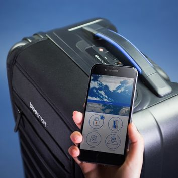 Bluesmart: The World's First Smart Suitcase | Firebox.com - Shop for the Unusual