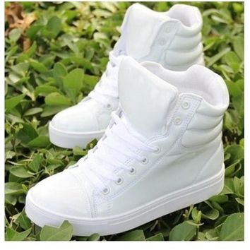 New spring shoes, high-top canvas shoes lovers, casual shoes within the higher student
