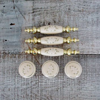 Drawer Handles Drawer Knobs Hardware Set 3 Knobs 3 Handles Brass and Ceramic Drawer Pulls Floral Design Antique Drawer Pulls Shabby Chic