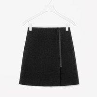 Front zip wool skirt