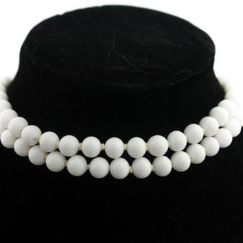 Milkglass White Choker Necklace Japan 1950s