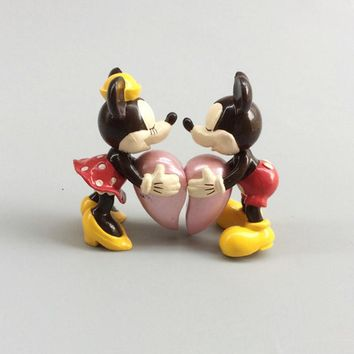 2PCS Couple Mickey Minnie Mouse Donald Duck Daisy Lovers Heart Hug Sweet Valentine's Day PVC Action Figures Toy Model Doll