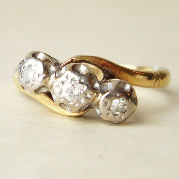 Vintage Diamond Ring,  Engagement Ring, Diamond Trilogy Wedding Ring, 18k Gold Ring Size US 5.5