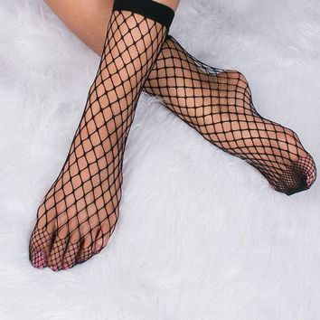 DCCKB62 Wide Black Fishnet Socks