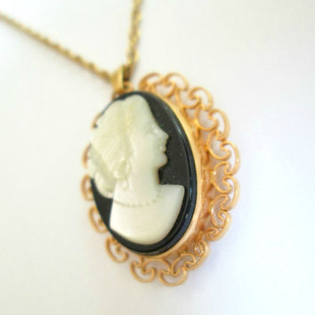 Vintage Cameo Locket Necklace Mother Of Pearl Gold Filled Van Dell