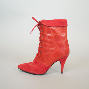 vitnage 1980's red avant garde TEXTURED lace-up rocker indie HEELED BOOTIES, size 7 37.5 4.5