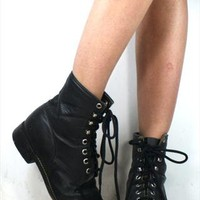 Vintage Grunge Black Justin Combat Boots Hipster  from thelapszabs