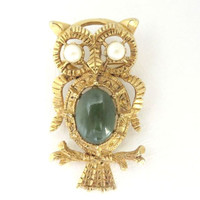 Vintage Gold Tone Owl Brooch-Pendent Jade Center Pearl Eyes