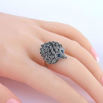 CREYCI7 Vintage Punk Ring Unique Carved Antique Silver Hedgehog Lucky Rings for Women Boho Beach European Wedding Party Birthday Jewelry