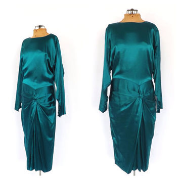 Vintage 1970s does 1920s Gown Jade Green Silk Dress 20s Drop Waist Art Deco Style Flapper Gown Great Gatsby Dress 1940s Femme Fatale Dress