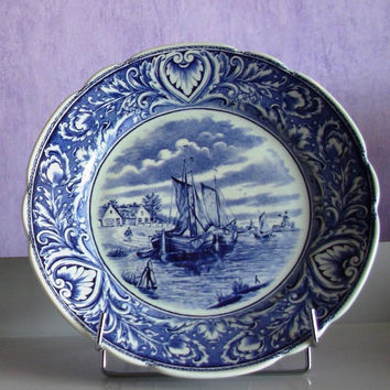 blue Delft plate designed old sailing