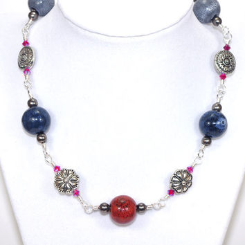Blue red gray chunky ceramic bead wire wrap link necklace, Silver plated bead, Pink Swarovski crystal, Adjustable lobster clasp, Choker