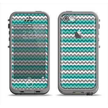 The Vintage Green & White Chevron Pattern V4 Apple iPhone 5c LifeProof Fre Case Skin Set