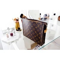 【Trulym】LV Makeup Bags Louis Vuitton Woman Handbag