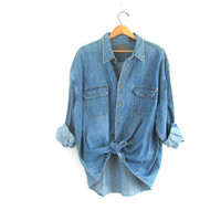 20% OFF SALE / vintage jean shirt. oversized denim shirt. button down shirt. denim pocket shirt.