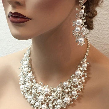 Bridal jewelry set Bridal back drop from GlamDuchess on Etsy