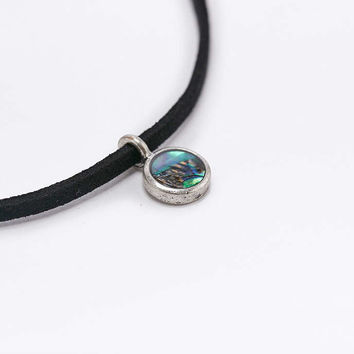 Shell Charm and Suede Cord Choker Necklace - Urban Outfitters