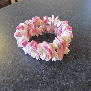 Stretchy shell bracelet pink and white surf beach Boho Hippie teenage girl gift vintage.