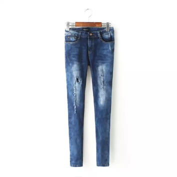 Summer Women's Fashion Ripped Holes Jeans [6512994759]