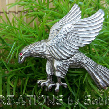 Vintage Eagle Brooch / Silver Tone Metal Pink Rhinestone Eye / Silver Tone Metal / Wildlife Woodland Bird Wings Classy / FREE SHIPPING (192)