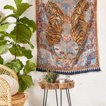 Tiger Twins Tapestry - Urban Outfitters